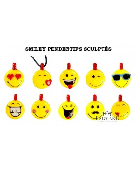 Scultped smiley pendants - box of 100